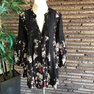 POL Clothing Black Floral Gypsy Swing Top